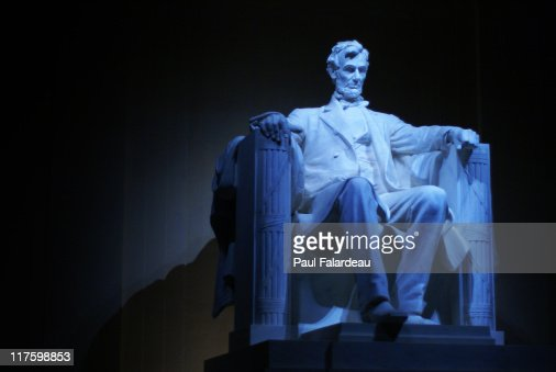 Statue of Abraham Lincoln : Stock Photo