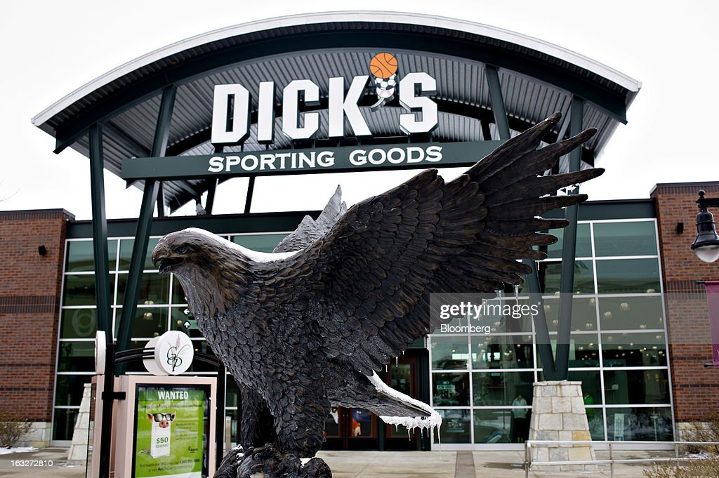 A statue of an eagle sits outside a Dick's Sporting Goods Inc. store in Peoria, Illinois, U.S., on Wednesday, March 6, 2013. Dick's Sporting Goods is expected to release earnings data on March11. Photographer: Daniel Acker/Bloomberg via Getty Images