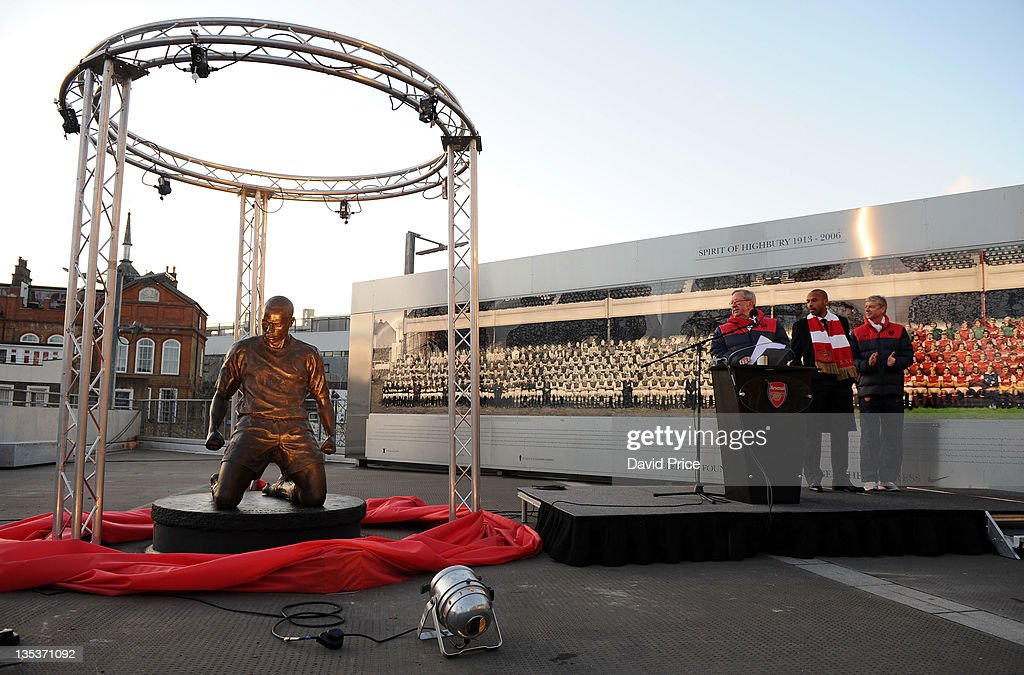 Statue of Arsenal Legend <a gi-track='captionPersonalityLinkClicked' href=/galleries/search?phrase=Thierry+Henry&family=editorial&specificpeople=167275 ng-click='$event.stopPropagation()'>Thierry Henry</a> is unveiled at Emirates Stadium, one of three iconic statues to be placed at the Emirates Stadium home of Arsenal Football Club, on December 9, 2011 in London, England.