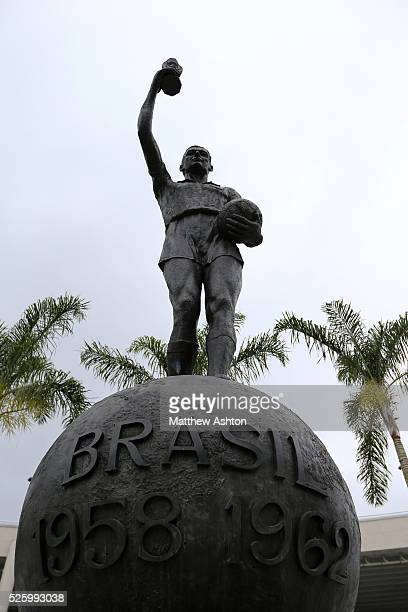 Statue of Hilderaldo Luiz Bellini outside the Estadio Jornalista Mario Filho / Maracana Stadium in Rio de Janeiro Brazil Bellini was the captain of...