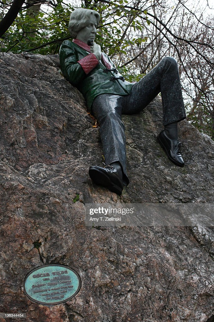A statue of Irish writer Oscar Wilde (1854 - 1900) in Merrion Square Park, Dublin, 1st December 2011.