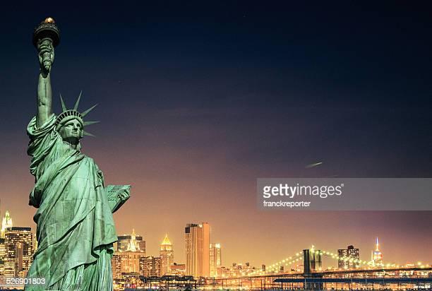 自由の女神、ニューヨークシティーの街並み