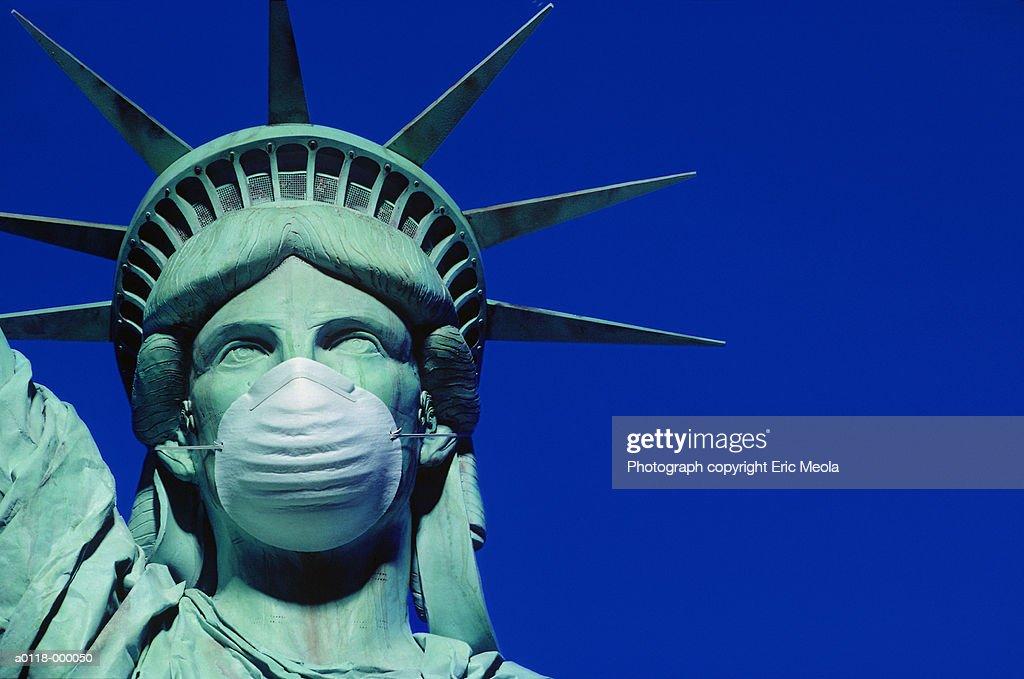 Statue of Liberty Wears Mask : Stock Photo