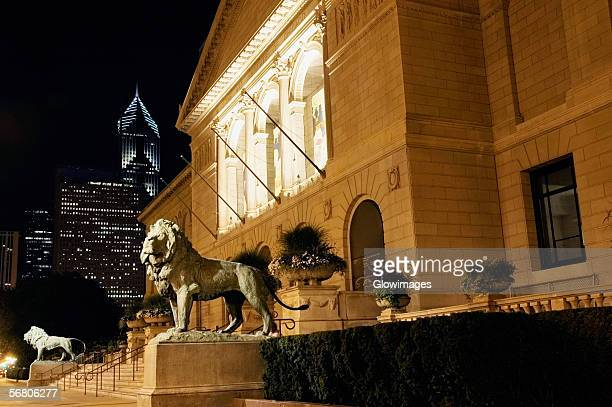 Statue of lions in front of a building, Art Institute of Chicago, Chicago, Illinois, USA