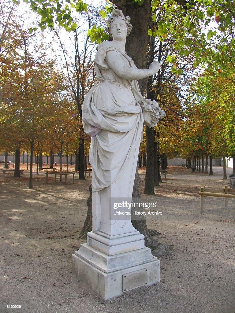 Statue Of Pomona In The Tuileries Garden 2013. Roman Goddess Of  Abundance.Tuileries Garden