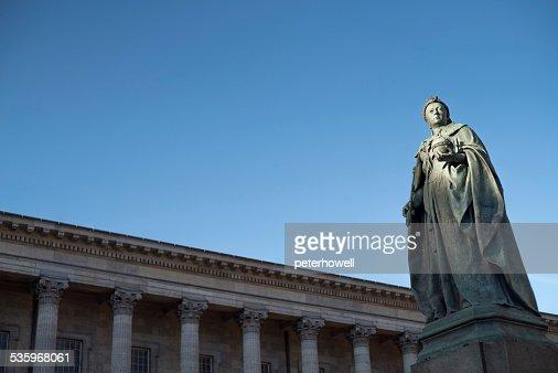 Statue of Queen Victoria, Birmingham, England. : Stock Photo