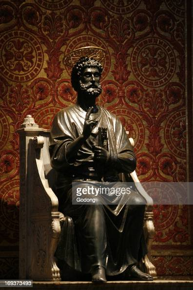 Statue of Saint Peter in St Peter's basilica