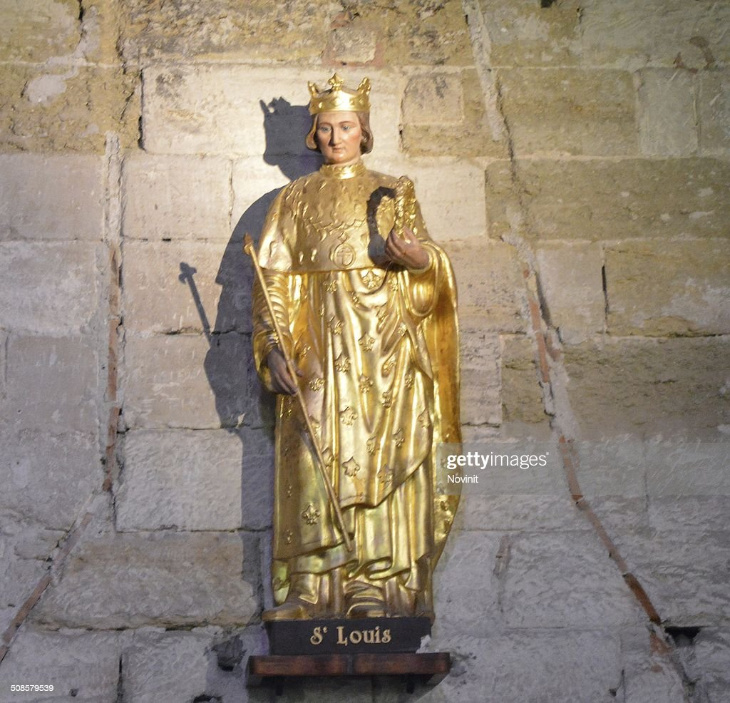 Statue of St-Louis in Aigues Mortes : Stock Photo