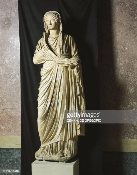 ... Emperor Cla... Emperor Nero Statue