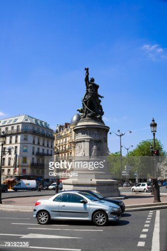 Statues at a town square, Paris, France : Foto de stock