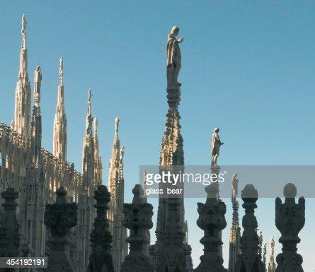 Estátuas de Duomo, em Milão : Foto de stock