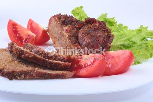 steak gegrilltes fleisch mit tomaten salat und bohnen granatapfel auf wei en teller stock foto. Black Bedroom Furniture Sets. Home Design Ideas