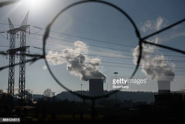 Steam billows from the cooling towers at the FirstEnergy Corp Bruce Mansfield coalfired power plant in Shippingport Pennsylvania US on Sunday Dec 3...