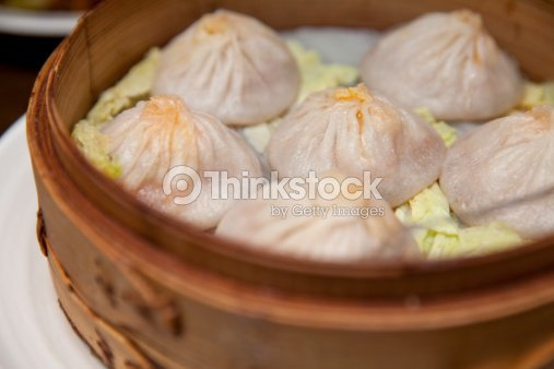 Steamed crab meat pork buns (Xiaolongbao小籠包) : Stock Photo