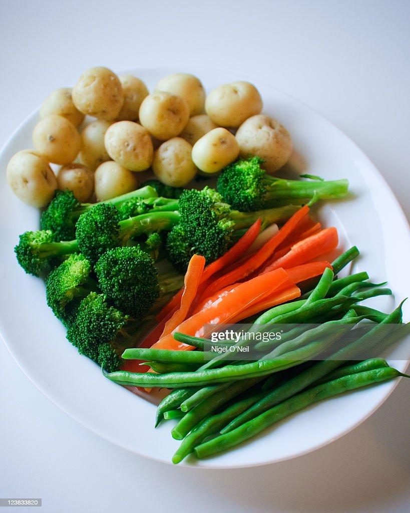 Steamed vegetables for fondue
