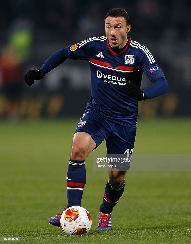 <a gi-track='captionPersonalityLinkClicked' href=/galleries/search?phrase=Steed+Malbranque&family=editorial&specificpeople=206647 ng-click='$event.stopPropagation()'>Steed Malbranque</a> of Lyon in action during the UEFA Europa League Group I match between Olympique Lyonnais and Real Betis Balompie at Stade de Gerland on November 28, 2013 in Lyon, France.