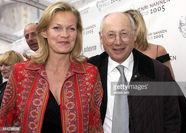 Stefan Aust Journalist D Chefredakteur 'Spiegel' und 'SpiegelTV' mit Ehefrau Katrin