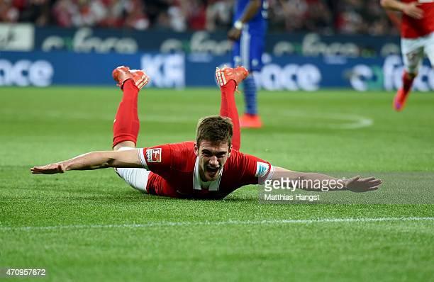 Stefan Bell of Mainz celebrates after scoring his team's 2nd goal during the Bundesliga match between 1 FSV Mainz 05 and FC Schalke 04 at Coface...