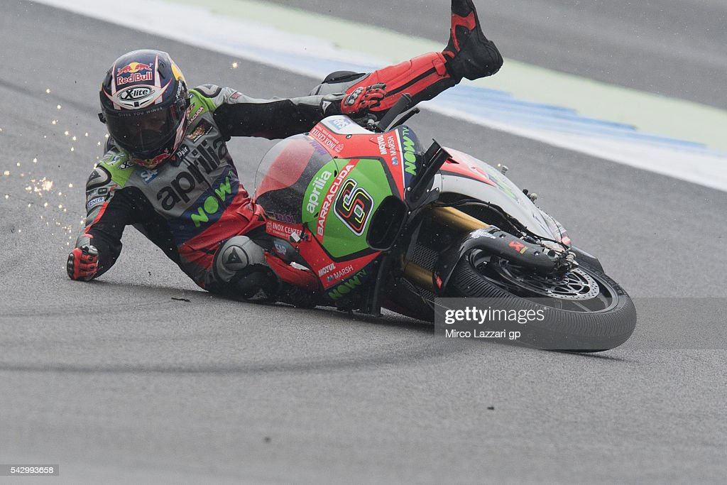 <a gi-track='captionPersonalityLinkClicked' href=/galleries/search?phrase=Stefan+Bradl&family=editorial&specificpeople=4956082 ng-click='$event.stopPropagation()'>Stefan Bradl</a> of Germany and Aprilia Racing Team Gresini crashed out during the qualifying practice during the at MotoGP Netherlands - Qualifying on June 25, 2016 in Assen, Netherlands.