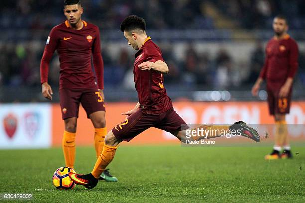 Stefan El Shaarawy of AS Roma scores the team's first goal during the Serie A match between AS Roma and AC ChievoVerona at Stadio Olimpico on...