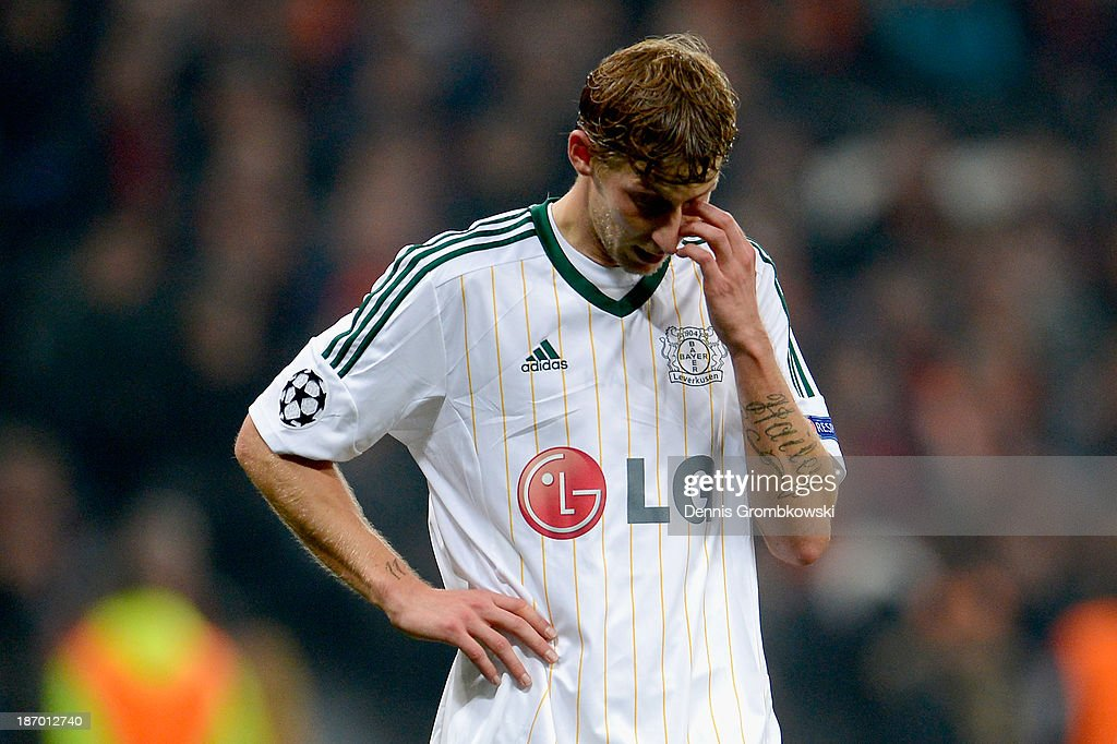 <a gi-track='captionPersonalityLinkClicked' href=/galleries/search?phrase=Stefan+Kiessling&family=editorial&specificpeople=605405 ng-click='$event.stopPropagation()'>Stefan Kiessling</a> of Bayer Leverkusen shows his frustration during the UEFA Champions League Group A match between Shakhtar Donetsk and Bayer Leverkusen at Donbass Arena on November 5, 2013 in Donetsk, Ukraine.