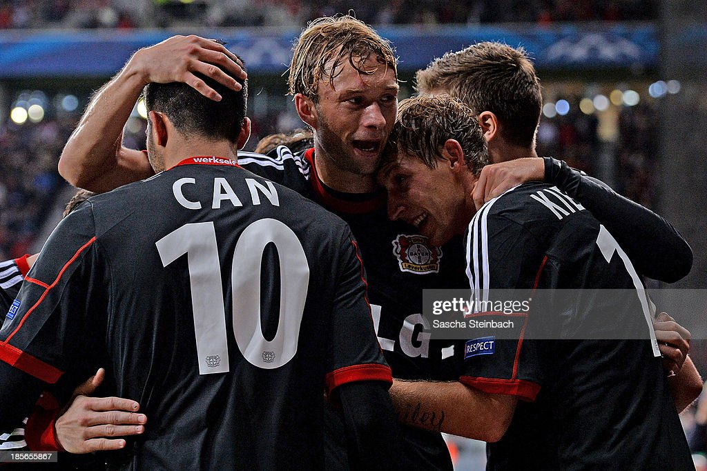 <a gi-track='captionPersonalityLinkClicked' href=/galleries/search?phrase=Stefan+Kiessling&family=editorial&specificpeople=605405 ng-click='$event.stopPropagation()'>Stefan Kiessling</a> (R) of Leverkusen celebrates after scoring his team's 4th goal with team mates during the UEFA Champions League Group A match between Bayer Leverkusen and Shakhtar Donetsk at BayArena on October 23, 2013 in Leverkusen, Germany.