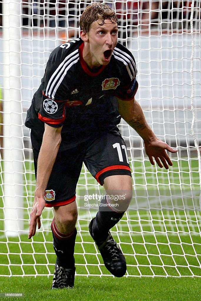 <a gi-track='captionPersonalityLinkClicked' href=/galleries/search?phrase=Stefan+Kiessling&family=editorial&specificpeople=605405 ng-click='$event.stopPropagation()'>Stefan Kiessling</a> of Leverkusen celebrates after scoring his team's 4th goal during the UEFA Champions League Group A match between Bayer Leverkusen and Shakhtar Donetsk at BayArena on October 23, 2013 in Leverkusen, Germany.