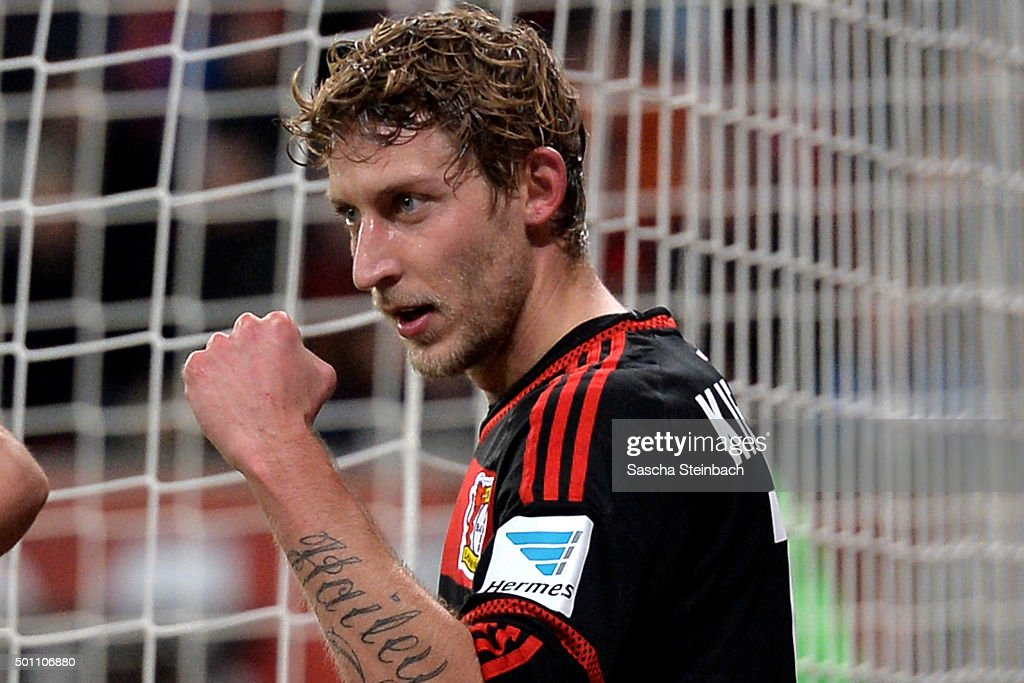 <a gi-track='captionPersonalityLinkClicked' href=/galleries/search?phrase=Stefan+Kiessling&family=editorial&specificpeople=605405 ng-click='$event.stopPropagation()'>Stefan Kiessling</a> of Leverkusen celebrates after scoring his team's third goal during the Bundesliga match between Bayer Leverkusen and Borussia Moenchengladbach at BayArena on December 12, 2015 in Leverkusen, Germany.