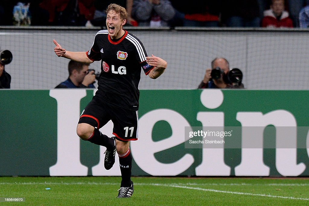 <a gi-track='captionPersonalityLinkClicked' href=/galleries/search?phrase=Stefan+Kiessling&family=editorial&specificpeople=605405 ng-click='$event.stopPropagation()'>Stefan Kiessling</a> of Leverkusen celebrates after scoring the opening goal during the UEFA Champions League Group A match between Bayer Leverkusen and Shakhtar Donetsk at BayArena on October 23, 2013 in Leverkusen, Germany.