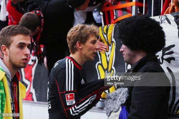 Stefan Kiessling of Leverkusen discusses with the fans after the Bundesliga match between Bayer 04 Leverkusen and 1 FSV Mainz 05 at BayArena on March...