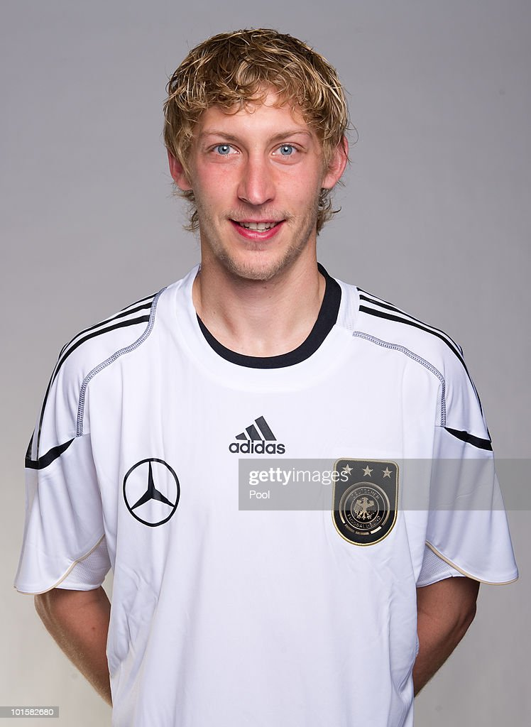 <a gi-track='captionPersonalityLinkClicked' href=/galleries/search?phrase=Stefan+Kiessling&family=editorial&specificpeople=605405 ng-click='$event.stopPropagation()'>Stefan Kiessling</a> poses during the official team photocall of the German FIFA 2010 World Cup squad on June 3, 2010 in Frankfurt am Main, Germany.