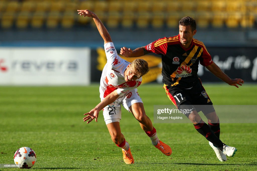 Stefan Mauk of the Heart and Vince Lia of the Phoenix compete for the ball during the round 19 ALeague match between Wellington Phoenix and Melbourne...
