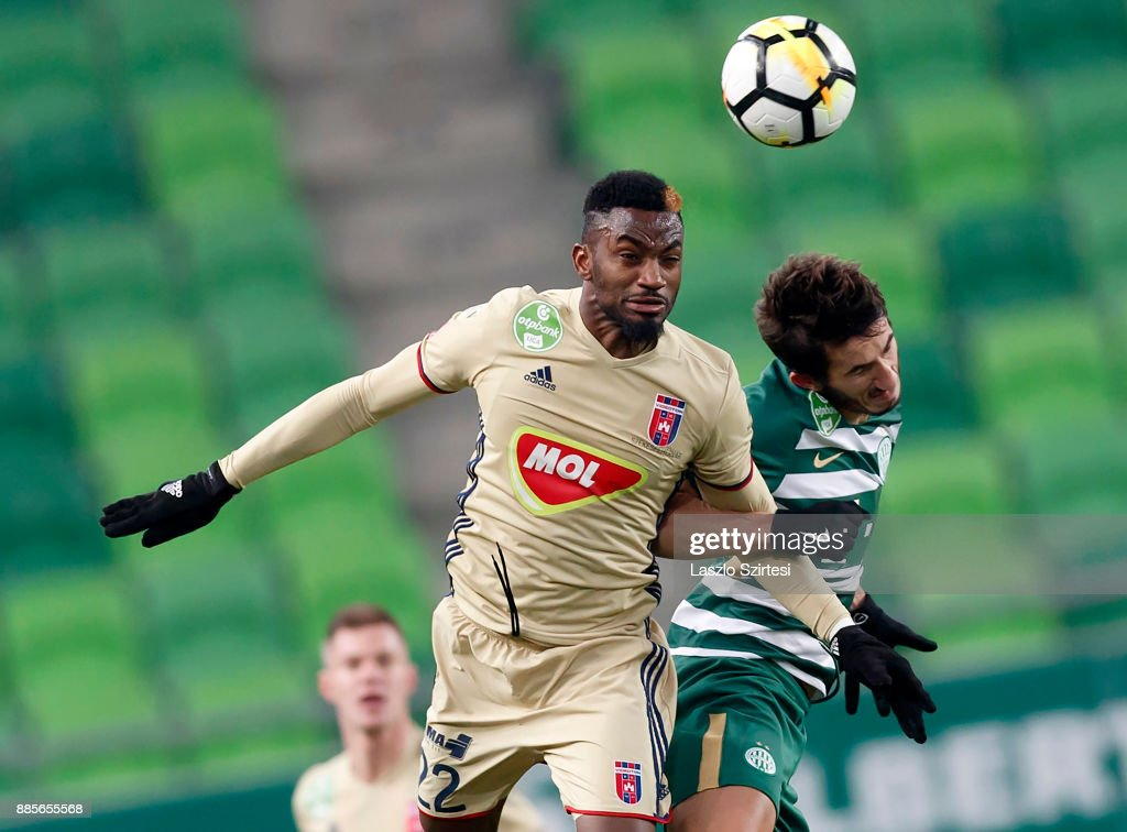 Stefan Spirovski (R) of Ferencvarosi TC battles for the ball in the air with Ianique dos Santos Tavares 'Stopira' #22 of Videoton FC during the Hungarian OTP Bank Liga match between Ferencvarosi TC and Videoton FC at Groupama Arena on December 2, 2017 in Budapest, Hungary.