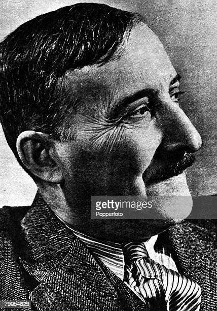 Stefan Zweig Austrian born British writer Worked as a Biographer on Charles Dickens and Marie Antoinette