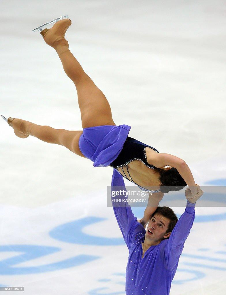 Stefania Berton (Top) and Ondrej Hotarek of Italy perform during their pairs free skating of the ISU Grand Prix figure skating series at the Megasport arena in Moscow on November 26, 2011. AFP PHOTO/ YURI KADOBNOV