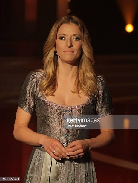 Stefanie Hertel MDRShow 'Alles Liebe zum Muttertag' Stadthalle 'Goldener Pflug' Altenburg Thüringen Deutschland Europa Auftritt Bühne Sängerin Promi...