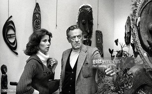 Stefanie Powers and William Holden during Bill Holden's African Art Auction February 1 1977 at Feingarten Gallery in New York City New York United...