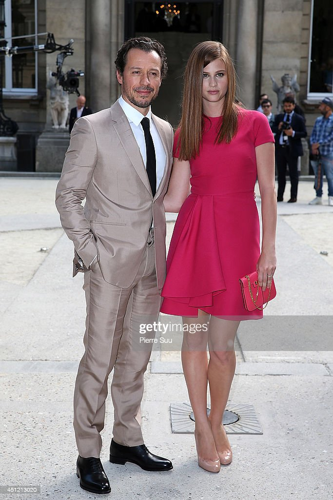 <a gi-track='captionPersonalityLinkClicked' href=/galleries/search?phrase=Stefano+Accorsi&family=editorial&specificpeople=221569 ng-click='$event.stopPropagation()'>Stefano Accorsi</a> and Bianca Vitali attend the Valentino show as part of the Paris Fashion Week Menswear Spring/Summer 2015 on June 25, 2014 in Paris, France.