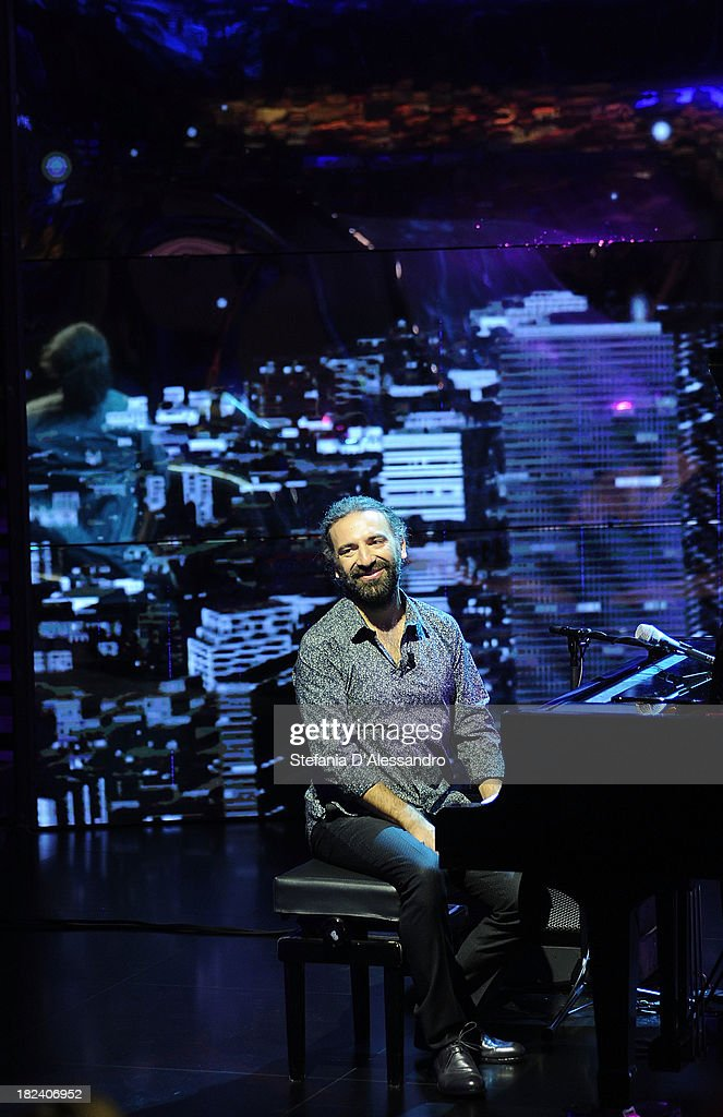 <a gi-track='captionPersonalityLinkClicked' href=/galleries/search?phrase=Stefano+Bollani&family=editorial&specificpeople=5589232 ng-click='$event.stopPropagation()'>Stefano Bollani</a> attends 'Che Tempo Che Fa' TV Show on September 29, 2013 in Milan, Italy.