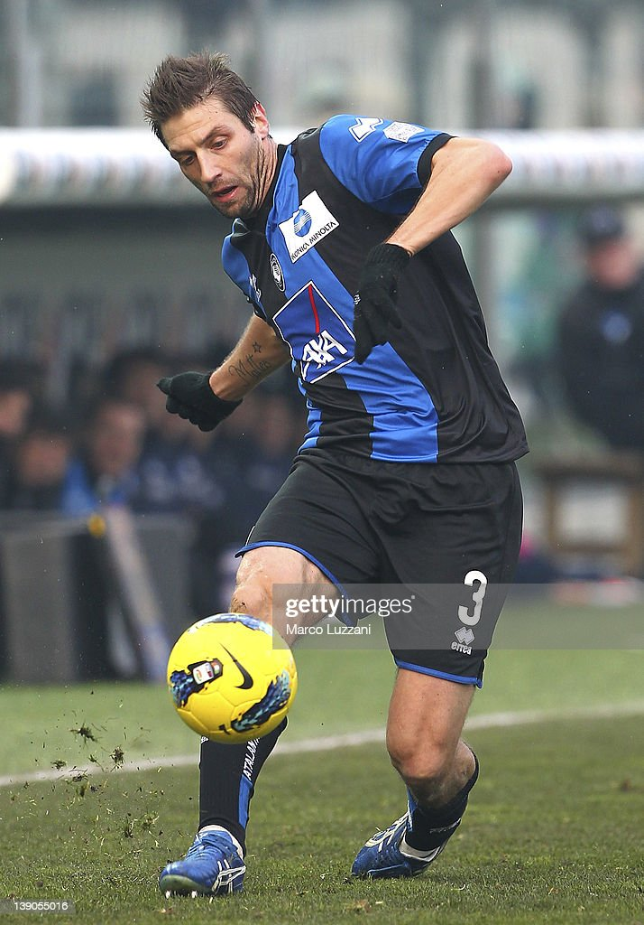 Stefano Lucchini of Atalanta BC in action during the Serie A match between Atalanta BC and US Lecce at Stadio Atleti Azzurri d'Italia on February 12, 2012 in Bergamo, Italy.