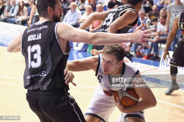Stefano Mancinelli of Kontatto competes with Klaudio Ndoja of Segafredo during the LegaBasket LNP of serie A2 match between Fortitudo Kontatto...