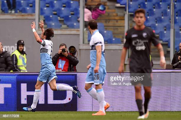 Stefano Mauri of Lazio celebrates after scoring the equalizing goal during the Serie A match between SS Lazio and US Citta di Palermo at Stadio...