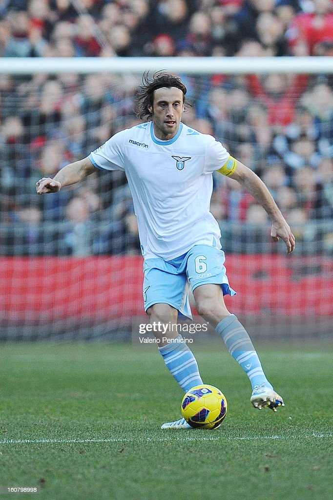 <a gi-track='captionPersonalityLinkClicked' href=/galleries/search?phrase=Stefano+Mauri&family=editorial&specificpeople=676361 ng-click='$event.stopPropagation()'>Stefano Mauri</a> of S.S. Lazio in action during the Serie A match between Genoa CFC and SS Lazio at Stadio Luigi Ferraris on February 3, 2013 in Genoa, Italy.