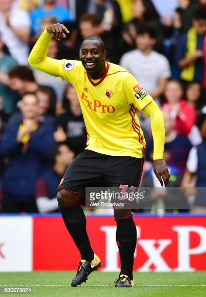Stefano Okaka o Watford celebrates scoring his sides first goal during the Premier League match between Watford and Liverpool at Vicarage Road on...