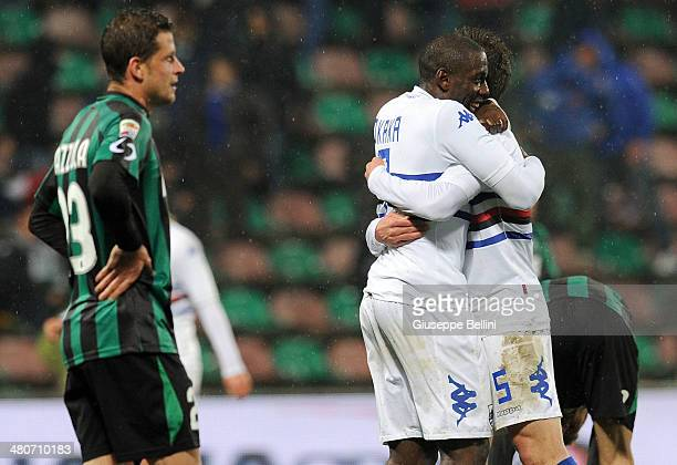 Stefano Okaka of Sampdoria celebrates the victory after the serie A match between US Sassuolo Calcio and UC Sampdoria at Mapei Stadium on March 26...