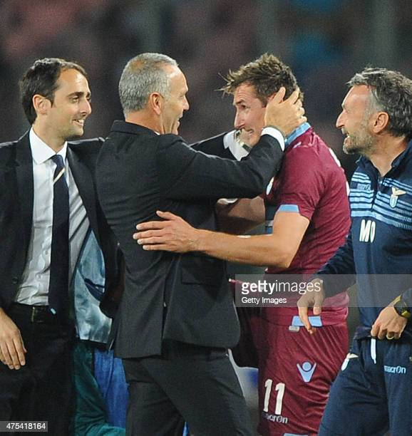 Stefano Pioli and Miroslav Klose of Lazio celebrate the victory after the Serie A match between SSC Napoli and SS Lazio at Stadio San Paolo on May 31...