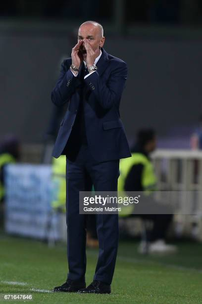 Stefano Pioli head coach of FC Internazionale gestures during the Serie A match between ACF Fiorentina v FC Internazionale at Stadio Artemio Franchi...