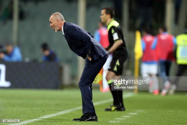 Stefano Pioli manager of FC Internazionale shouts instructions to his players during the Serie A match between ACF Fiorentina v FC Internazionale at...