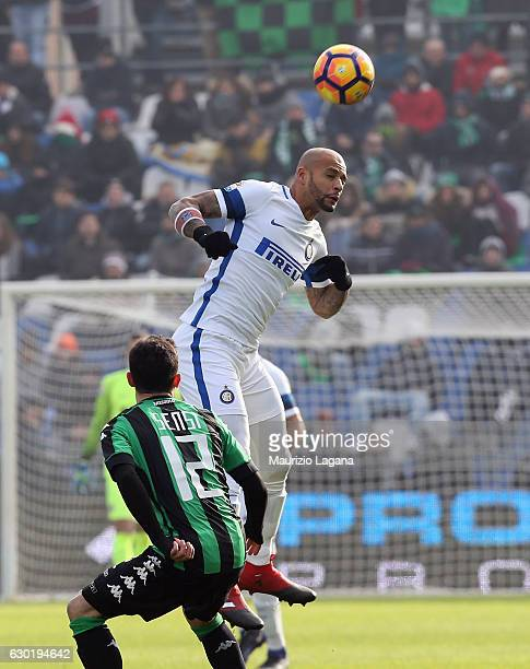 Stefano Sensi of Sassuolo competes for the ball with Felipe Melo of Inter during the Serie A match between US Sassuolo and FC Internazionale at Mapei...