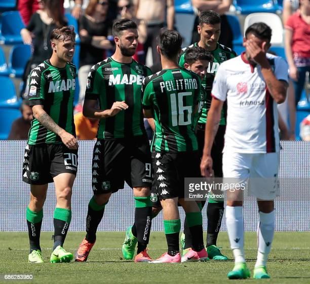 Stefano Sensi of US Sassuolo Calcio celebrates his goal with his teammates during the Serie A match between US Sassuolo and Cagliari Calcio at Mapei...